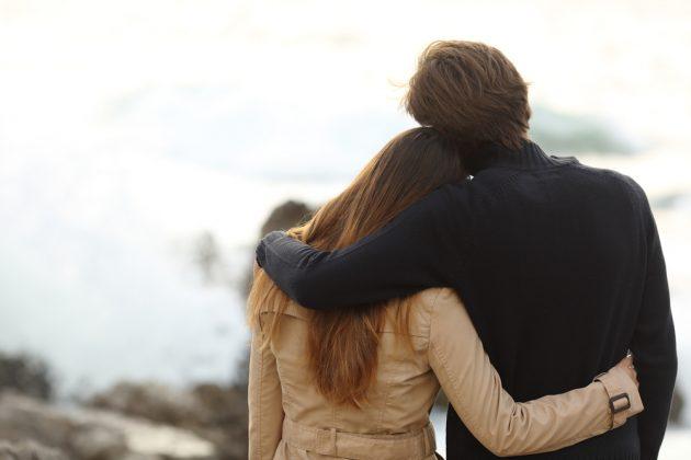 Pretty-couple-hugging_1431981626-630x420 (630x420, 102Kb)