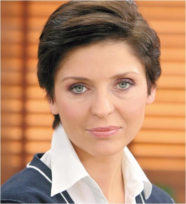 Топ 15 самых красивых женщин в политике разных стран (фото)