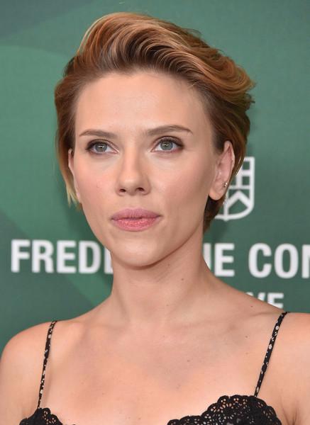 Scarlett+Johansson+Variety+Power+Women+Luncheon+ukYIJrmv1sql (437x600, 181Kb)