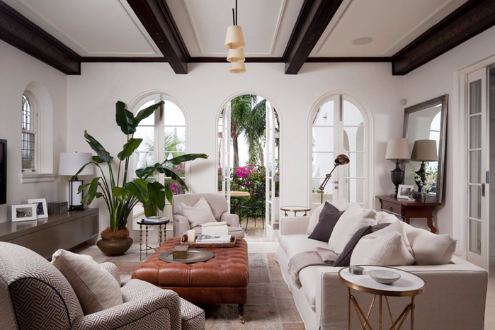 Mediterranean-Style-living-room-design-Plenty-of-Air-and-Light (700x466, 289Kb)