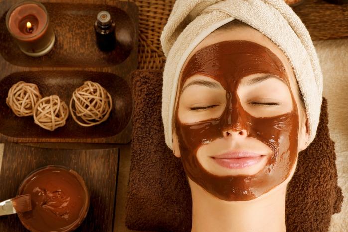 купить маски для лица, магазин косметических масок, /4682845_bigstockChocolateLuxurySpaFacialM36469048 (700x467, 266Kb)