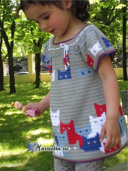 Крючком. Платье с кошечками для девочки (1) (450x600, 343Kb)