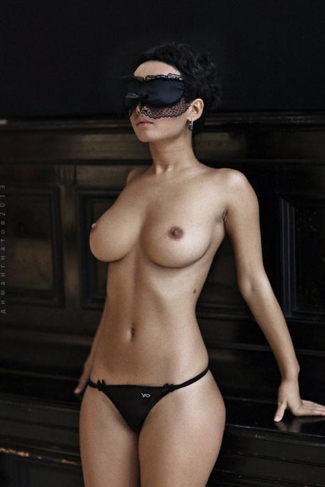 Эротика-сиськи-красивая-фигура-2569727 (466x700, 263Kb)