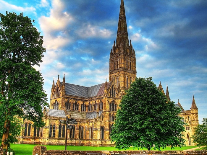 Salisbury_Cathedral_01 (700x525, 513Kb)