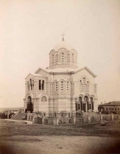сев Храм-памятник павшим русским солдатам в Крымской войне 1853-1856 годов (469x600, 100Kb)