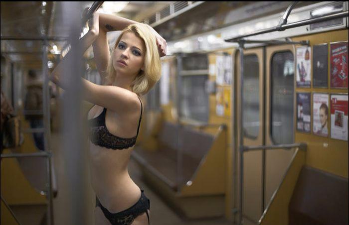 "alt=""Знакомства в метро""/2835299_znakomstva_v_metro (700x452, 459Kb)"