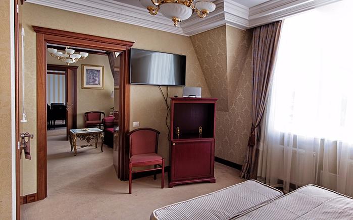 Элегантный и уютный отель Premier Hotel Aurora (700x437, 324Kb)