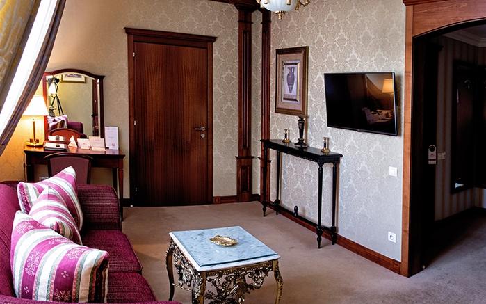 Элегантный и уютный отель Premier Hotel Aurora (700x437, 385Kb)