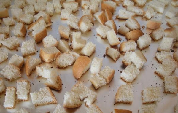 Как сделать салат из хлеба