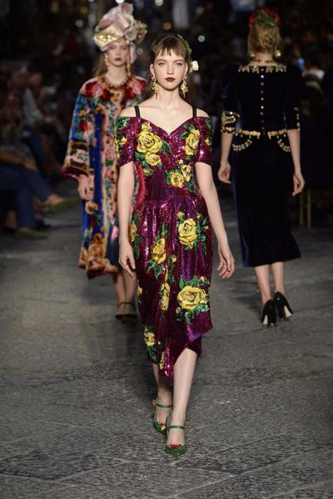 новая коллекция от кутюр Dolce & Gabbana 1 (466x700, 329Kb)