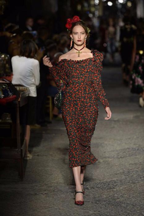 новая коллекция от кутюр Dolce & Gabbana 2 (466x700, 309Kb)