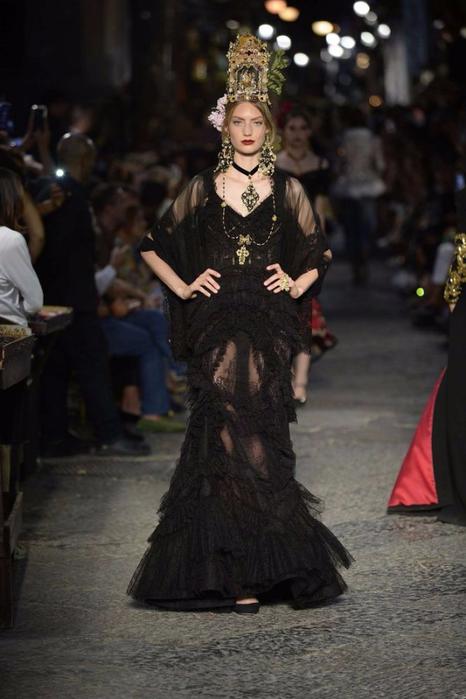 новая коллекция от кутюр Dolce & Gabbana 16 (466x700, 284Kb)
