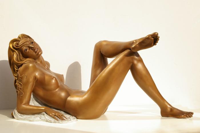 37-Chiara-bronzo-cm-35x77x31-anno-2008 (700x465, 244Kb)