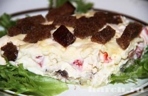 salat-so-shprotami-i-suharikamy-voevoda_6 (300x196, 23Kb)