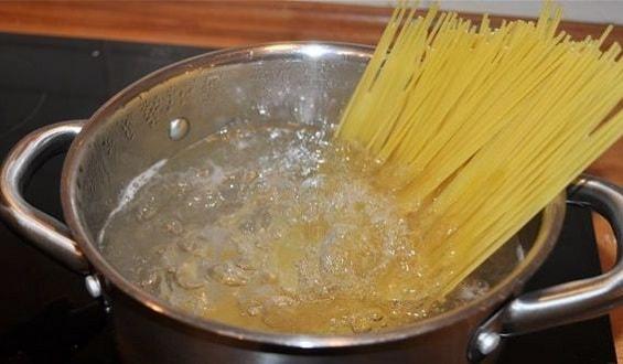 foto-pasta-karbonara-recept-3 (565x330, 139Kb)