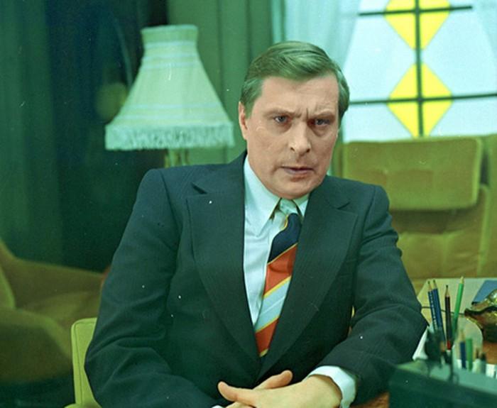 Герои любовники: 20 самых красивых советских актёров