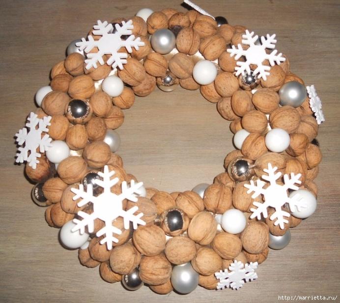 Рождественские венки из природных материалов (15) (692x616, 279Kb)