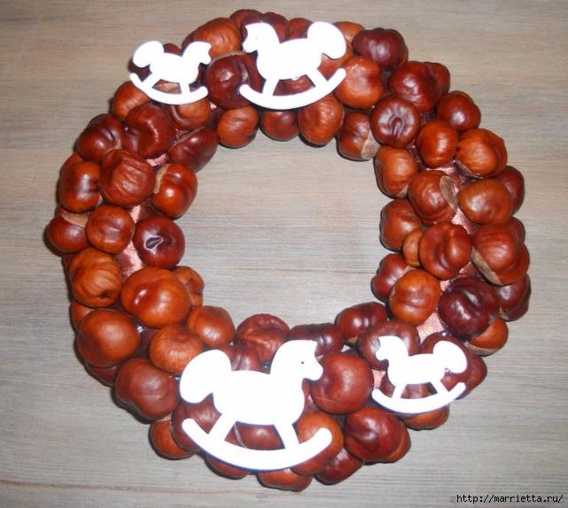Рождественские венки из природных материалов (17) (641x574, 233Kb)