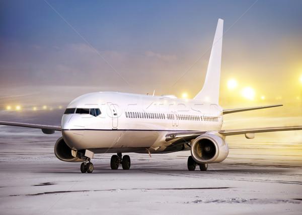 1543106_flying-погода-аэропорту-белый-плоскости-зима (600x427, 52Kb)