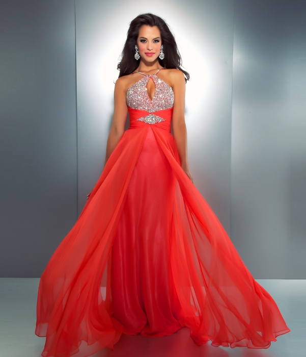 LxNIaxFgCi_Mac_Duggal_2013_Prom_Dresses-Hot_Coral_Chiffon_Halter_Gown_with_Embellishments[1] (601x700, 202Kb)