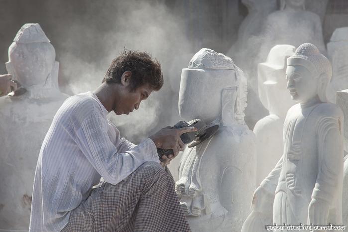 как делают буддийские статуи 3 (700x466, 283Kb)