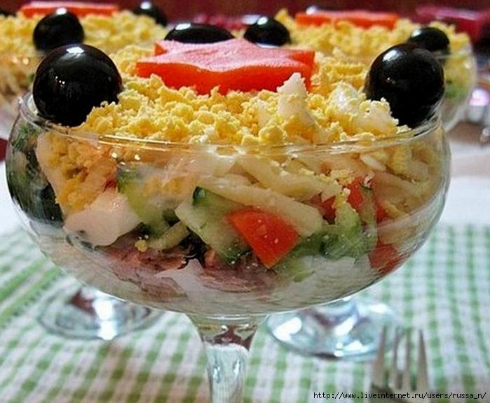Салат с тунцом и огурцом и сыром рецепт с