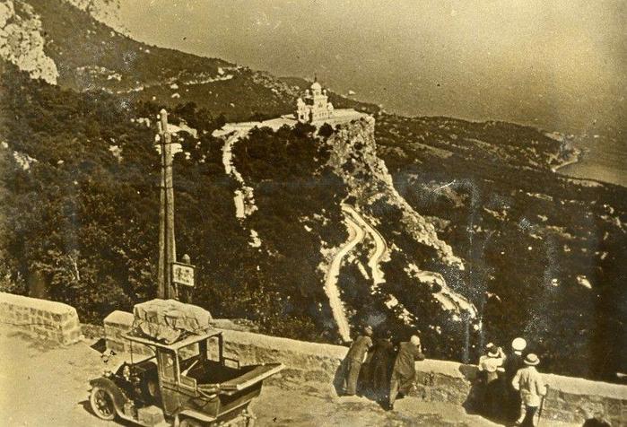 Байдарские ворота Время первой мировой войны.1914 год (700x476, 408Kb)