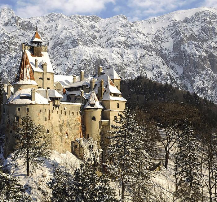2. Замок Дракулы, Бран (700x653, 693Kb)
