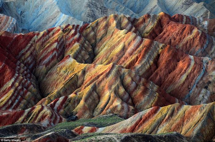 3. Национальный геопарк Данься (700x463, 463Kb)
