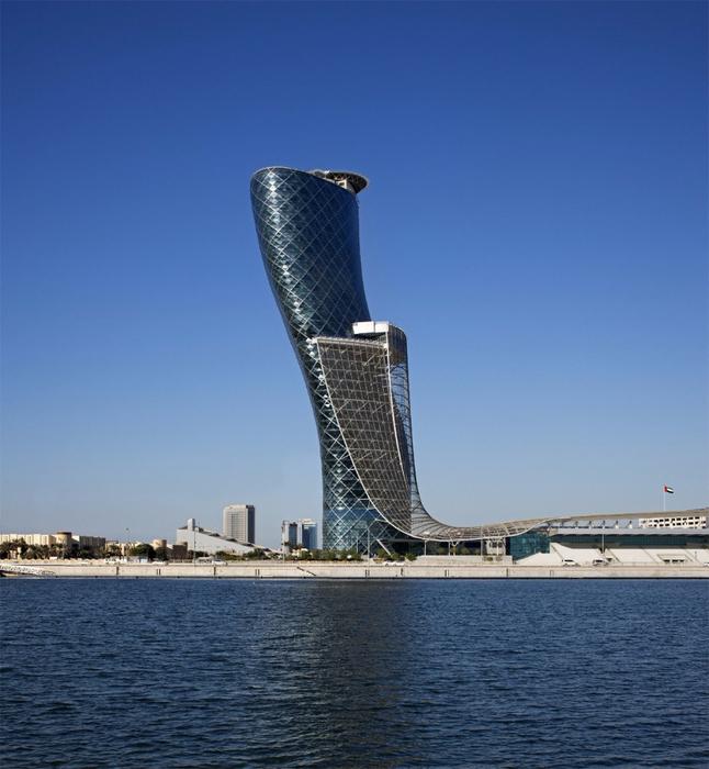 Падающий небоскреб Capital Gate в Абу Даби 5 (646x700, 393Kb)