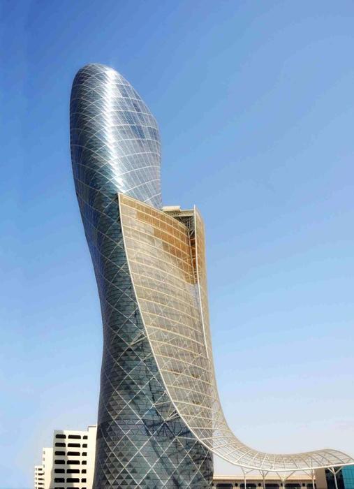 Падающий небоскреб Capital Gate в Абу Даби 7 (507x700, 231Kb)