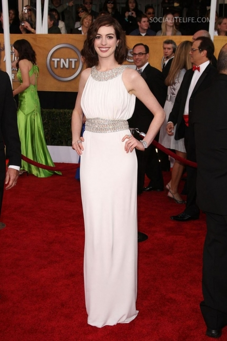 annehathaway-SAG-Awards-red-carpet-photos-01252009-02-820x1230 (466x700, 204Kb)