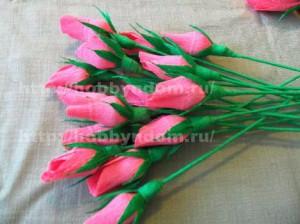 Букеты из конфет. Бутоны роз (15) (300x224, 75Kb)