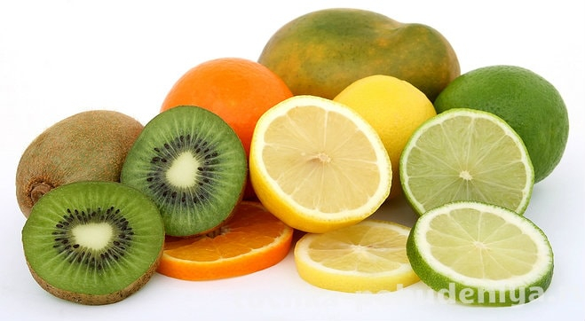 fruit-salad-ingredients-lemon-lime-kiwi-mango-and-orange-1632354-min (659x362, 175Kb)