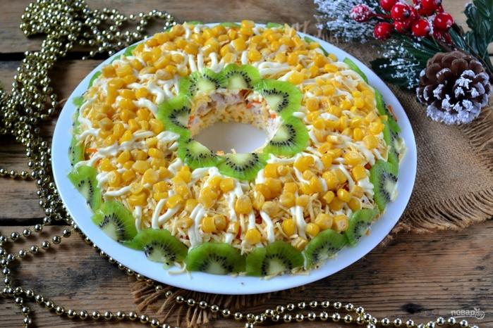 Рецепты с яйцами на Новый год/5281519_kurinii_salat_na_novii_god338680 (700x466, 311Kb)