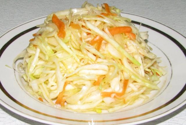 салат из свежей капусты с луком рецепт