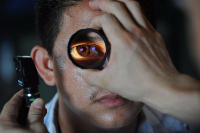optometrist-91751_1280 (700x465, 263Kb)
