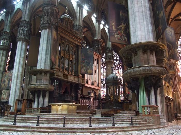 миланский кафедральный собор 14 (700x525, 464Kb)