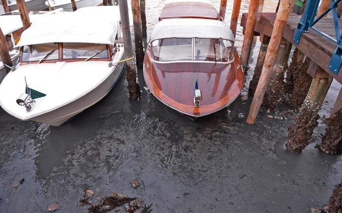 в венеции пересохли каналы 3 (700x437, 311Kb)