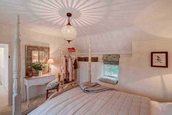 300-летний дом. Спальня./4581447_dom6 (700x467, 40Kb)