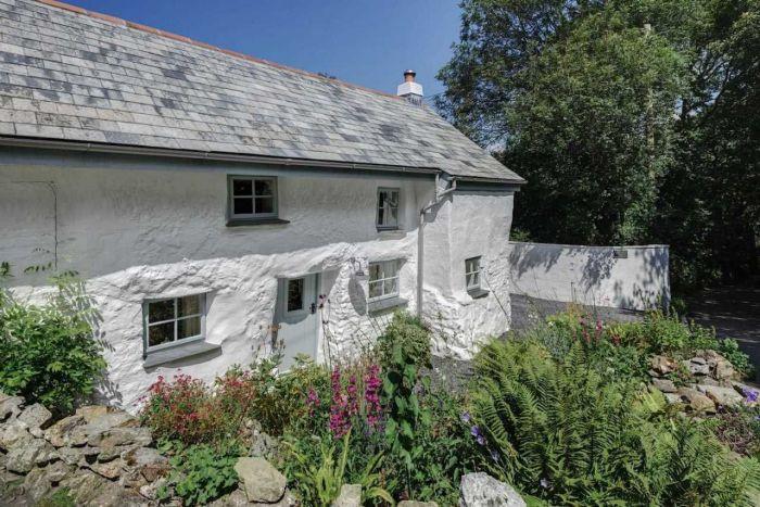 300-летний дом. Фасад./4581447_dom8 (700x467, 92Kb)
