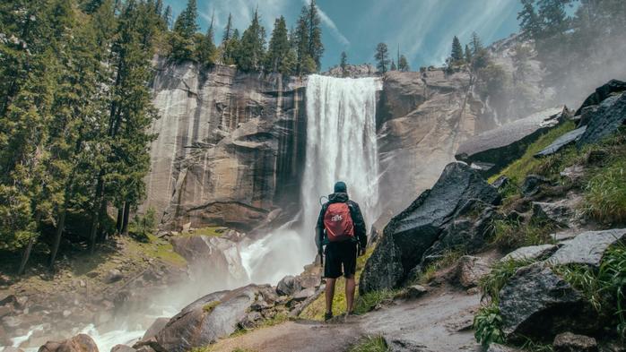 skala-les-vodopad-priroda (700x393, 369Kb)