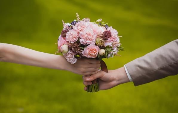 3201191_weddingbouquetbrideand (596x380, 51Kb)
