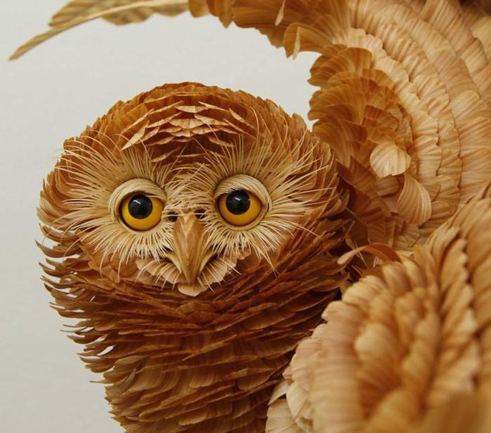 сибирского скульптора Сергея Бобкова из деревянной тружки (700x618, 402Kb)