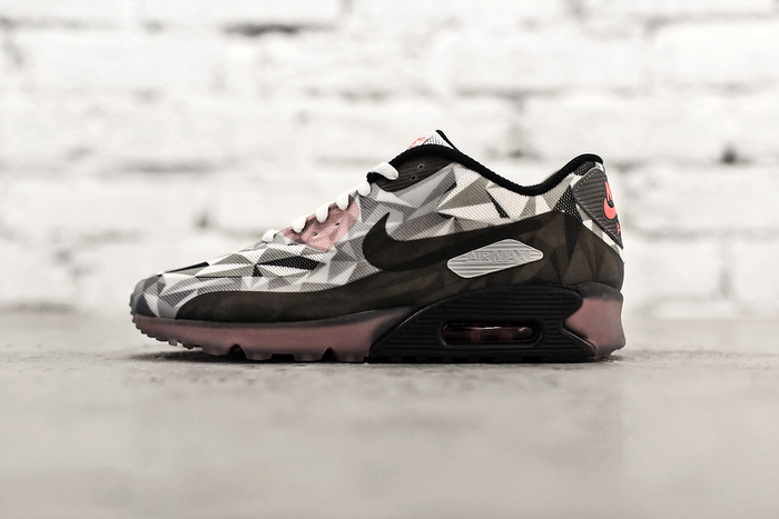 nike-air-max-90-ice-white-cool-grey-black-infrared-1 (1) (700x467, 233Kb)