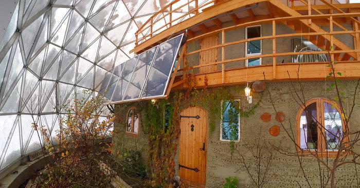 экологический дом под куполом 3 (700x366, 308Kb)