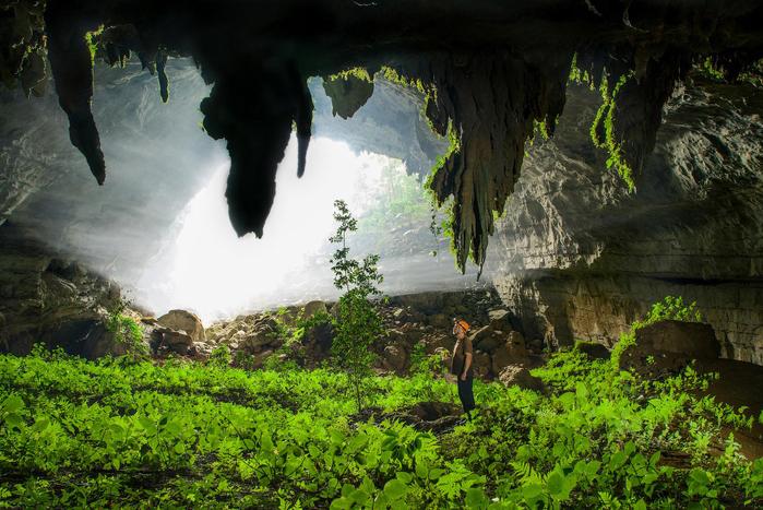 пещера Tham Khoun в лаосе 1 (700x467, 480Kb)