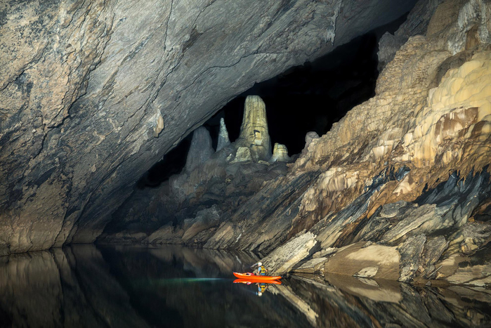 пещера Tham Khoun в лаосе 9 (700x467, 411Kb)