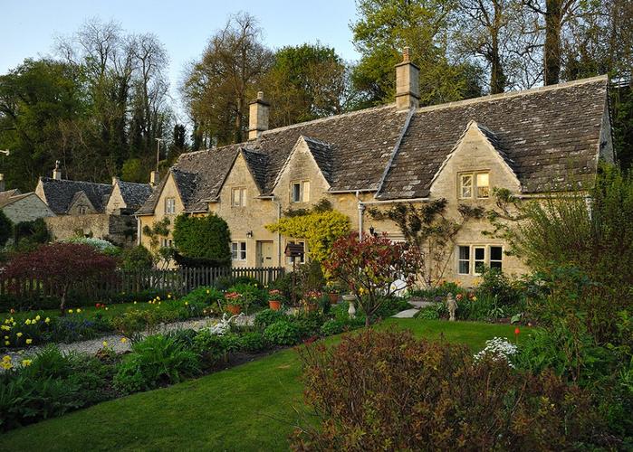 средневековая английская деревня 4 (700x500, 537Kb)