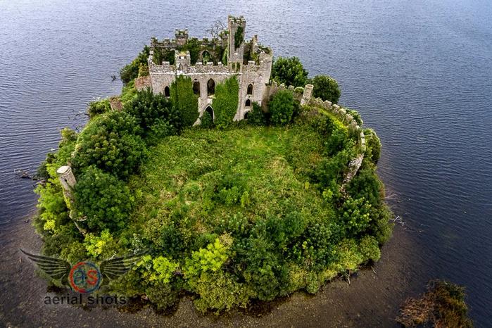 замок на острове Касл Айленд ирландия 4 (700x466, 469Kb)